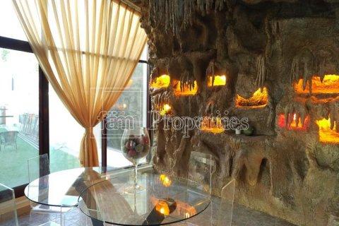 Villa in Emirates Hills, Dubai, UAE 7 bedrooms, 1723.6 sq.m. № 3674 - photo 15