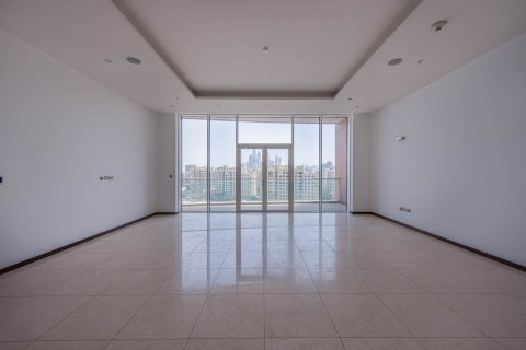 Apartment in Palm Jumeirah, Dubai, UAE 3 bedrooms, 210.5 sq.m. № 375 - photo 3