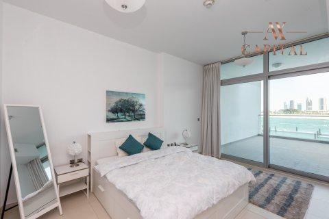 Apartment in Palm Jumeirah, Dubai, UAE 1 bedroom, 130.1 sq.m. № 540 - photo 8