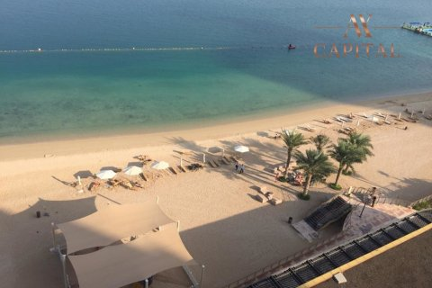 Apartment in Palm Jumeirah, Dubai, UAE 1 bedroom, 120.4 sq.m. № 1831 - photo 1