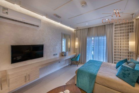 Apartment in Palm Jumeirah, Dubai, UAE 32.8 sq.m. № 1938 - photo 4