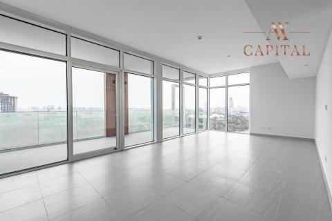 Apartment in Al Kifaf, Dubai, UAE 2 bedrooms, 131.7 sq.m. № 594 - photo 1