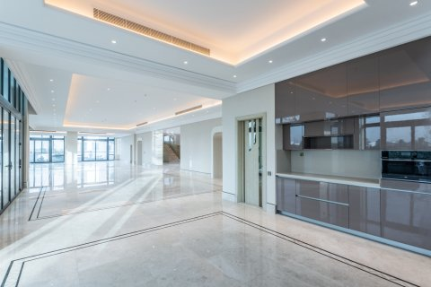 Villa in Dubai Hills Estate, Dubai, UAE 8 bedrooms, 3279.6 sq.m. № 514 - photo 1