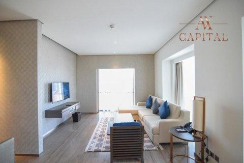 Apartment in Dubai Healthcare City, Dubai, UAE 1 bedroom, 105 sq.m. № 2696 - photo 1