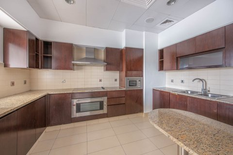 Apartment in Palm Jumeirah, Dubai, UAE 3 bedrooms, 210.5 sq.m. № 375 - photo 7