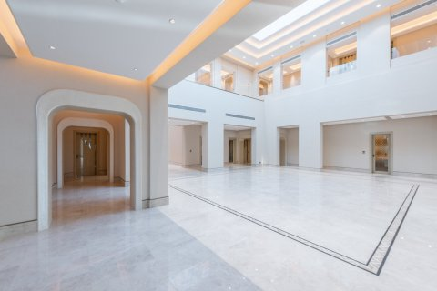 Villa in Dubai Hills Estate, Dubai, UAE 8 bedrooms, 3279.6 sq.m. № 514 - photo 3