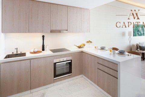Apartment in Palm Jumeirah, Dubai, UAE 41 sq.m. № 555 - photo 6