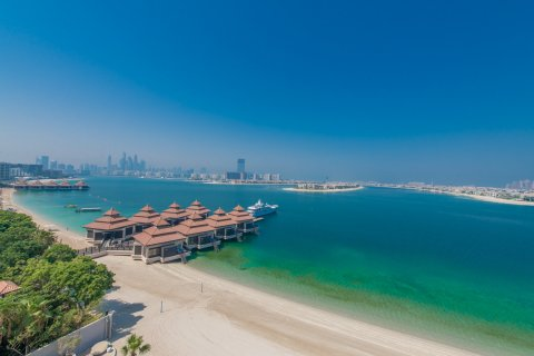 Penthouse in Palm Jumeirah, Dubai, UAE 3 bedrooms, 453.1 sq.m. № 782 - photo 1