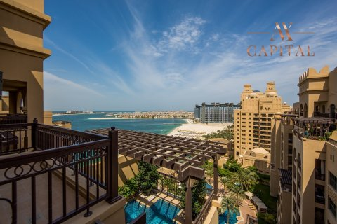 Penthouse in Palm Jumeirah, Dubai, UAE 4 bedrooms, 462.3 sq.m. № 738 - photo 1