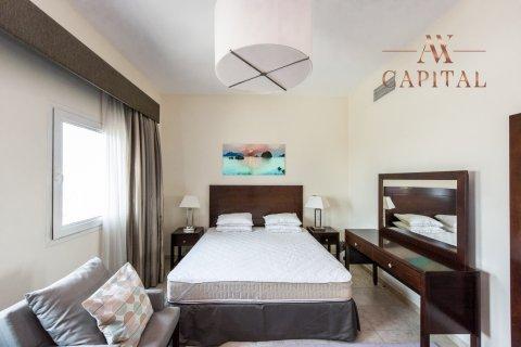 Apartment in Jumeirah Village Triangle, Dubai, UAE 1 bedroom, 72.5 sq.m. № 698 - photo 6