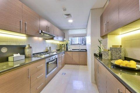 Apartment in Dubai Marina, Dubai, UAE 1 bedroom, 45 sq.m. № 8199 - photo 5