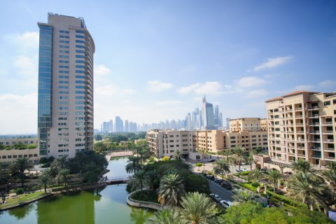 In what district of Dubai is it best to buy an apartment?