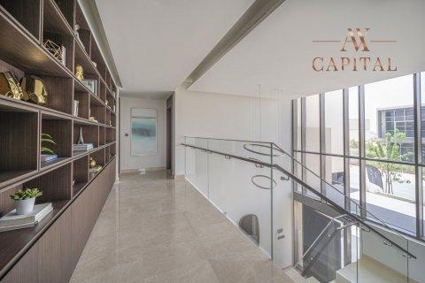 Villa in Dubai Hills Estate, Dubai, UAE 5 bedrooms, 724.6 sq.m. № 14612 - photo 12