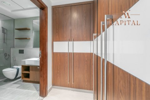 Apartment in Al Kifaf, Dubai, UAE 2 bedrooms, 144.4 sq.m. № 2453 - photo 5