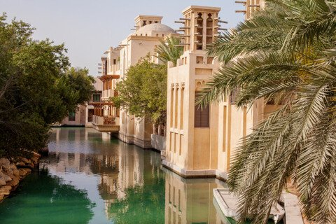 Who is buying villas and apartments in Dubai?