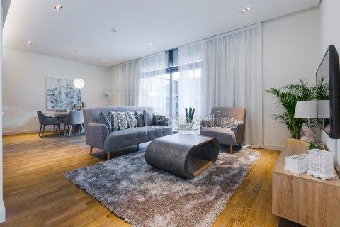 Apartment in Jumeirah, Dubai, UAE 2 bedrooms, 156.4 sq.m. № 4717 - photo 9