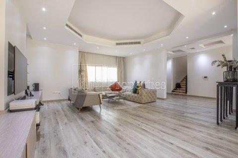 Villa in Dubai Land, Dubai, UAE 5 bedrooms, 743.2 sq.m. № 5116 - photo 3