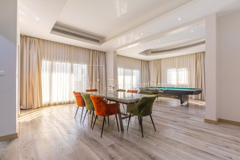 Villa in Dubai Land, Dubai, UAE 5 bedrooms, 743.2 sq.m. № 5116 - photo 6