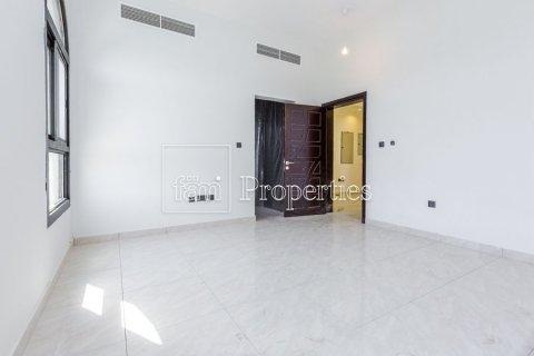 Villa in Dubai Land, Dubai, UAE 5 bedrooms, 566.7 sq.m. № 5207 - photo 13