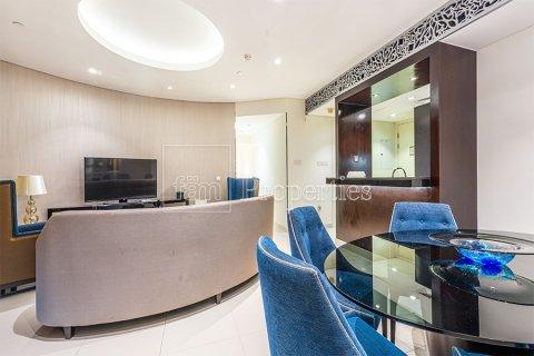Apartment in Downtown Dubai (Downtown Burj Dubai), Dubai, UAE 3 bedrooms, 164.4 sq.m. № 3476 - photo 15