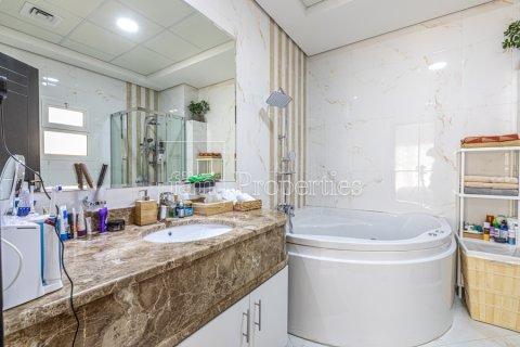 Villa in Dubai Land, Dubai, UAE 5 bedrooms, 743.2 sq.m. № 5116 - photo 10
