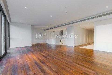 Apartment in Jumeirah, Dubai, UAE 3 bedrooms, 265.6 sq.m. № 4775 - photo 8