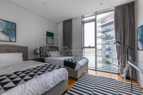 Apartment in Dubai, UAE 3 bedrooms, 189 sq.m. № 5025 - photo 12