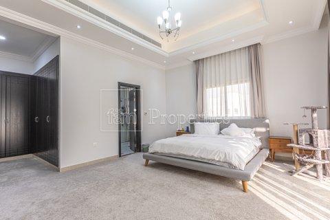 Villa in Dubai Land, Dubai, UAE 5 bedrooms, 743.2 sq.m. № 5116 - photo 22