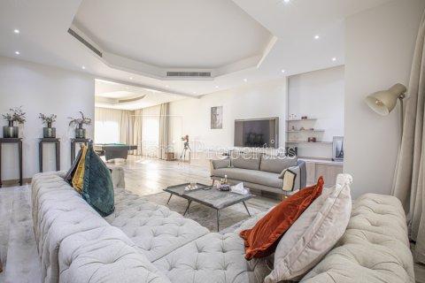 Villa in Dubai Land, Dubai, UAE 5 bedrooms, 743.2 sq.m. № 5116 - photo 4