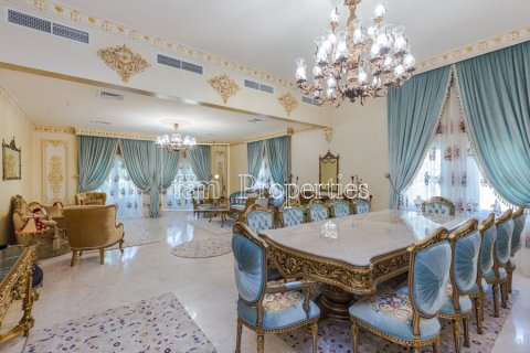 Villa in Dubai Land, Dubai, UAE 5 bedrooms, 947.6 sq.m. № 5061 - photo 1