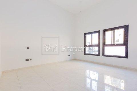 Villa in Dubai Land, Dubai, UAE 5 bedrooms, 566.7 sq.m. № 5207 - photo 21
