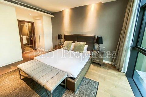 Apartment in Jumeirah, Dubai, UAE 3 bedrooms, 287.6 sq.m. № 4478 - photo 9