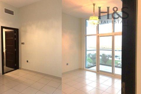 Apartment in Dubai Studio City, Dubai, UAE 1 bedroom, 76.3 sq.m. № 21391 - photo 1