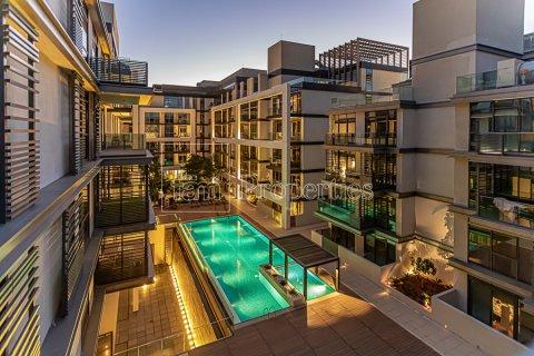 Duplex in Jumeirah, Dubai, UAE 4 bedrooms, 272.7 sq.m. № 4662 - photo 1