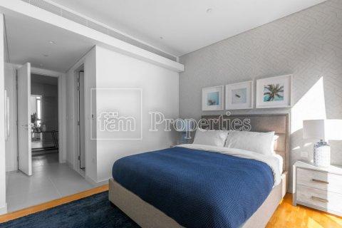 Apartment in Dubai, UAE 3 bedrooms, 189 sq.m. № 5025 - photo 8