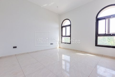 Villa in Dubai Land, Dubai, UAE 5 bedrooms, 566.7 sq.m. № 5207 - photo 11