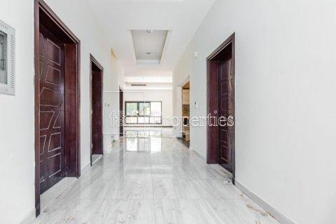 Villa in Dubai Land, Dubai, UAE 5 bedrooms, 566.7 sq.m. № 5207 - photo 8