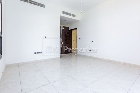 Villa in Dubai Land, Dubai, UAE 5 bedrooms, 566.7 sq.m. № 5207 - photo 18