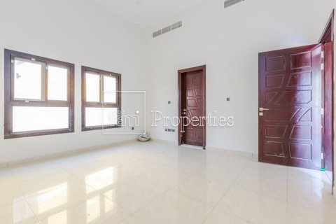 Villa in Dubai Land, Dubai, UAE 5 bedrooms, 566.7 sq.m. № 5207 - photo 9