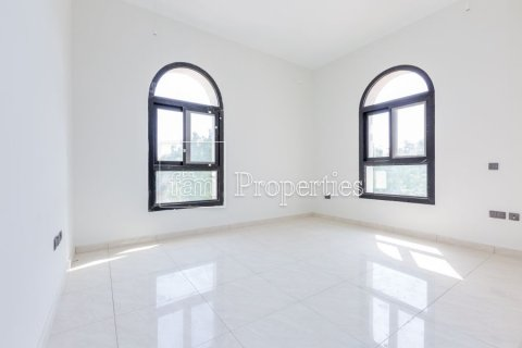 Villa in Dubai Land, Dubai, UAE 5 bedrooms, 566.7 sq.m. № 5207 - photo 19