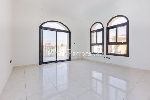 Villa in Dubai Land, Dubai, UAE 5 bedrooms, 566.7 sq.m. № 5207 - photo 16