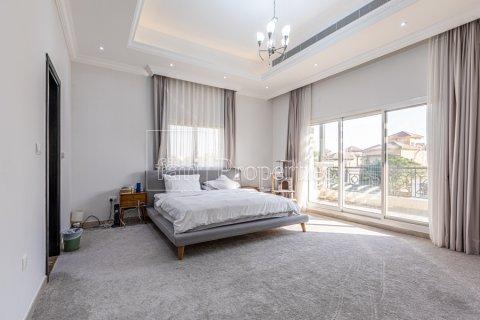 Villa in Dubai Land, Dubai, UAE 5 bedrooms, 743.2 sq.m. № 5116 - photo 9