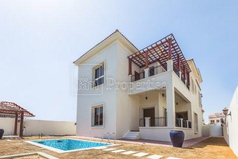 Villa in Dubai Land, Dubai, UAE 4 bedrooms, 557.4 sq.m. № 4774 - photo 28