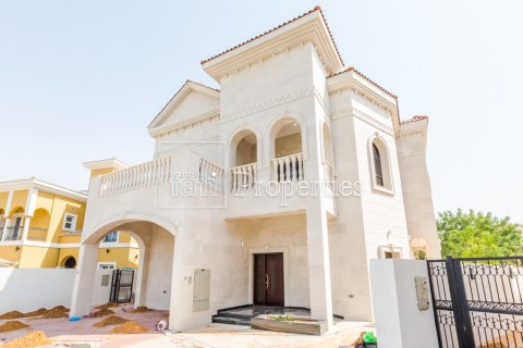 Villa in Dubai Land, Dubai, UAE 5 bedrooms, 566.7 sq.m. № 5207 - photo 24