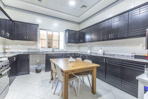 Villa in Dubai Land, Dubai, UAE 5 bedrooms, 743.2 sq.m. № 5116 - photo 5
