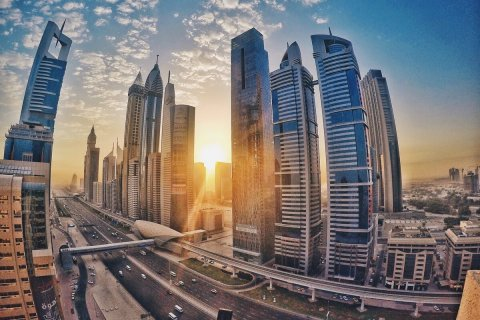 How to make money on a ready-made business on the example of shops and supermarkets in the UAE
