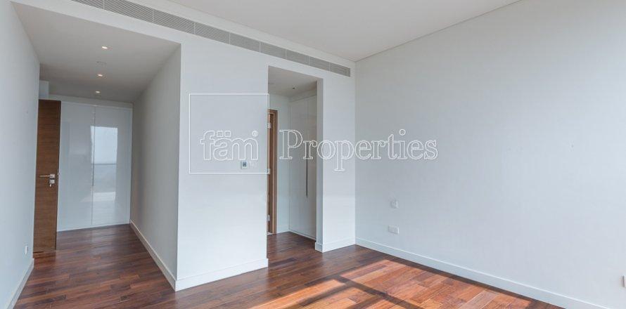 Apartment in Jumeirah, Dubai, UAE 3 bedrooms, 219.1 sq.m. № 4848
