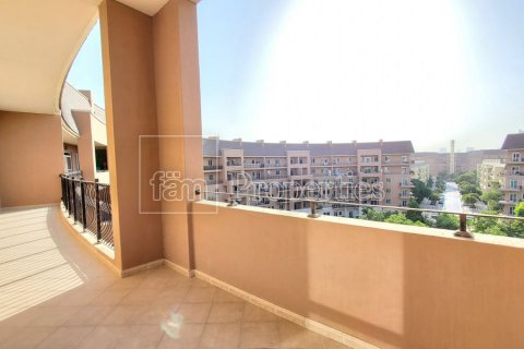 Apartment in Motor City, Dubai, UAE 2 bedrooms, 138.7 sq.m. № 6462 - photo 1