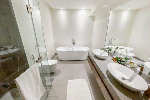 Penthouse in Jumeirah, Dubai, UAE 4 bedrooms, 521.4 sq.m. № 4481 - photo 11