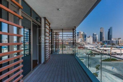 Apartment in Jumeirah, Dubai, UAE 2 bedrooms, 162 sq.m. № 5324 - photo 1